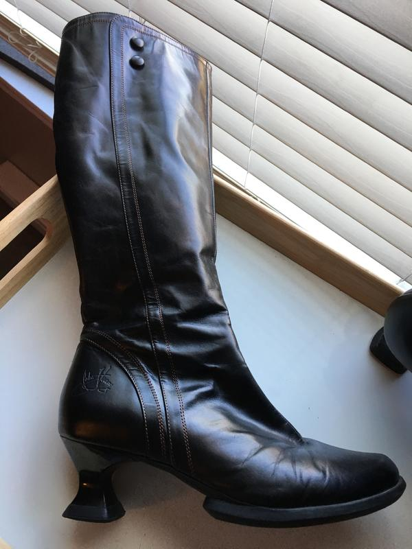 High Boots Size 8