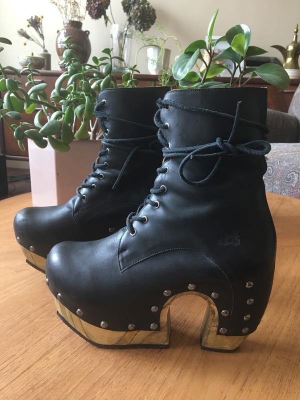 Arc Rainbow Boot