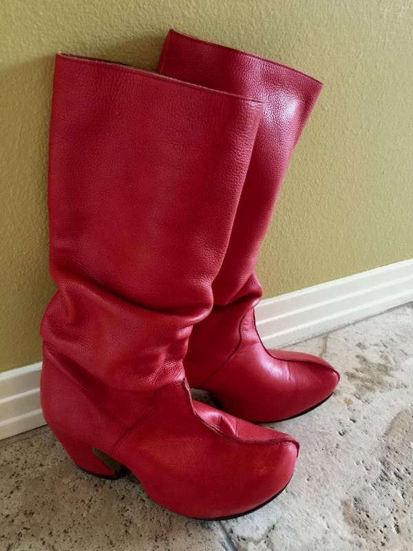 PREPARES VOLUNTEER SUPER DUPER RED BOOTS