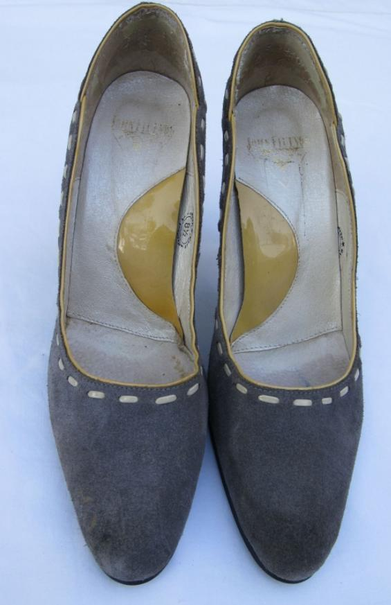 Gray suede 'AUDREY LISTEN UP' Pumps Heels Sz 8.5 Excellent