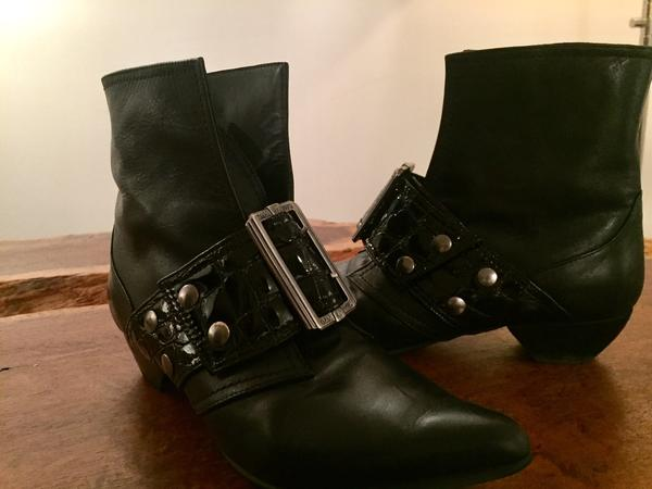 CHERYL BUCKLED BOOT WITH CROCODILE Emboss