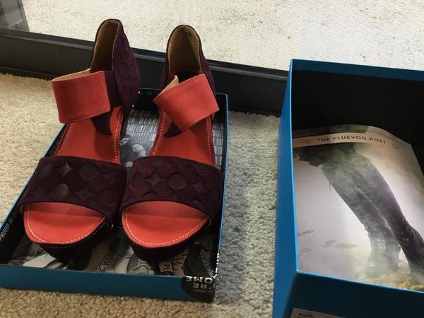Rules Low SELMA Embossed Suede Sandal size 11