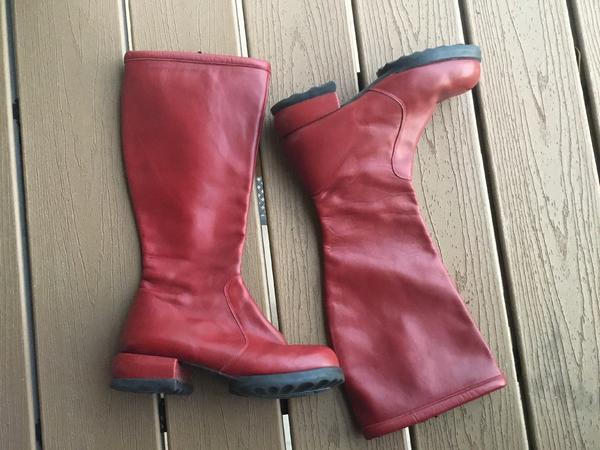 High/full calf boots