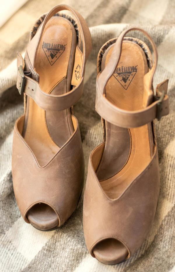 Fluevog brown leather platform (Raquel) sandals, size 9US