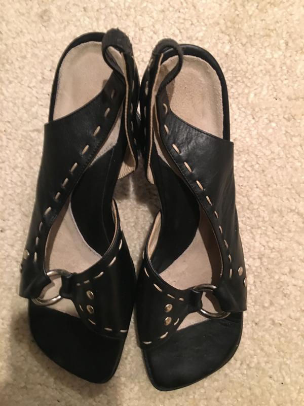 Sandals w/ Heart Shaped Heel