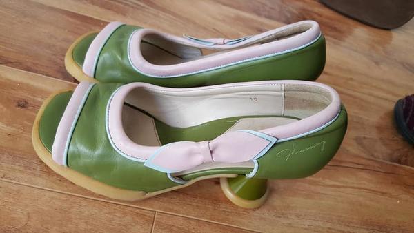 Sz 10 GREEN & Pink BEBE Open Toe Mini