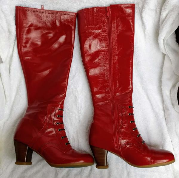 Red Operetta Zinka boots