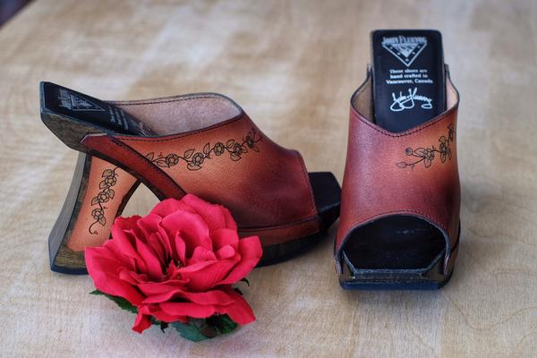 *Brand New* Limited edition hand made clogs by Ken Rice