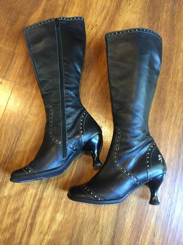 Belleview boots