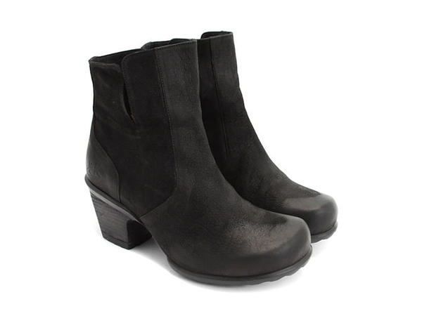 Rosy buffed toe leather bootie