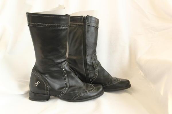 Fellowship Heather Brogue boots