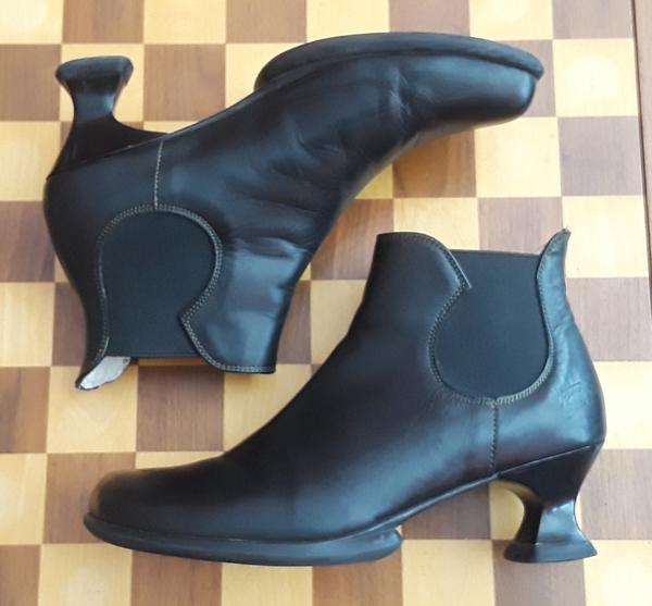 WEAREVERS Family: DANKE ANKLE BOOTS