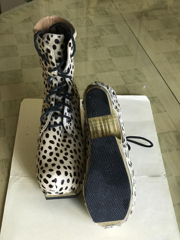 Women's leopard print boot