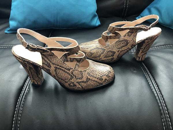 "Vintage ""Glam"" Beige/black (snakeskin pattern) 8"