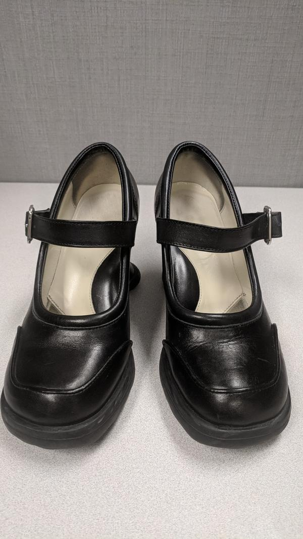 Fluevog Mini Gorgeous size 6.5 ($150) Black 6 1/2