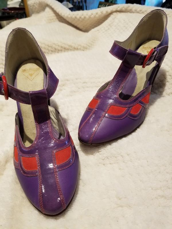 Blind Faith Sigourney I think Purple with red 10 1/2