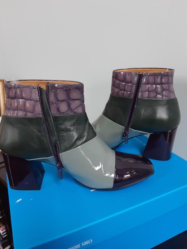 Tasty Vogs, Doreen Purple/green/grey 9 1/2