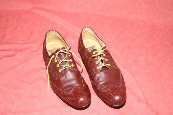JOHN FLUEVOG DERBY Brown Leather slip on shoes Men's size 10- GREAT! Brown 10