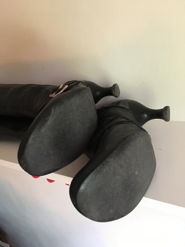 Bellevue Mattie Silk boots size 8.5 Black 8 1/2
