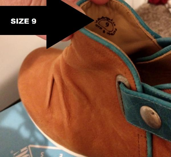 HOPEFULS HOLLY, SNAPPED ANKLE BOOT Tan/Blue 9