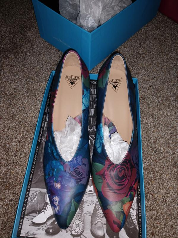 NEVER WORN!! POSER IONI 100USD (Free Shipping in the US) Floral 9