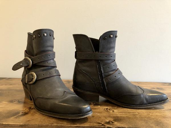 Ankle boots, distressed black - 9.5 Black 9 1/2