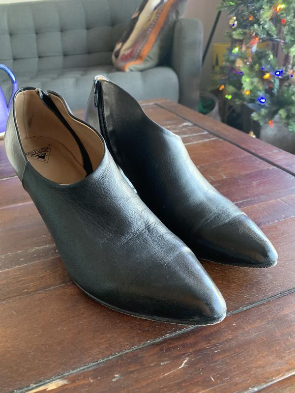 Edie Sexy Asymmetrical Heel Any (black or floral preferred) 8