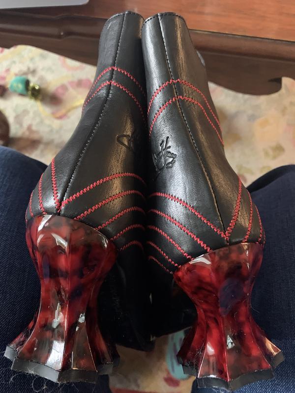 Deliverance Brit boots size 8 Black/red 8