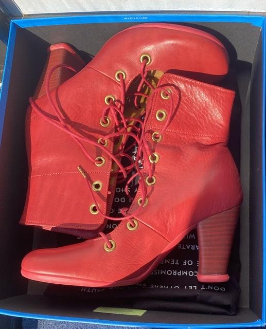 Angelina Boots Coral/ Red 8 1/2